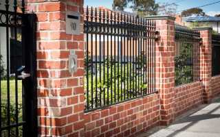 Как построить надёжный кирпичный забор