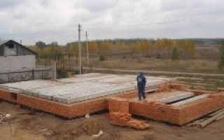 Укладка плит перекрытия на фундамент: особенности установки