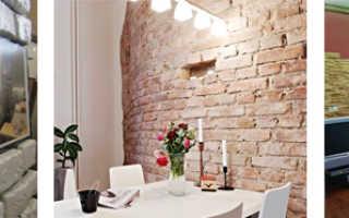 Отделка декоративным кирпичом интерьера дома