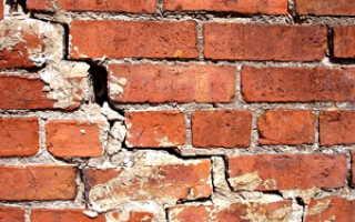 Как справиться с трещинами в кирпичной стене